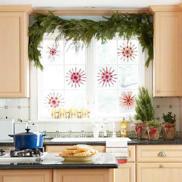 кухонное окно по-новогоднему