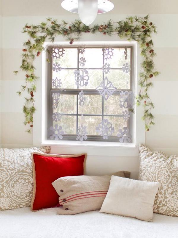 snezhinki-na-okne.jpg