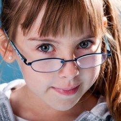 воспитания малыша с нарушением зрения фото