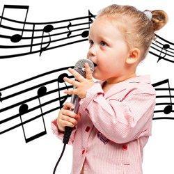 ребенок поет фото