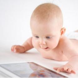 ребенок и планшет фото